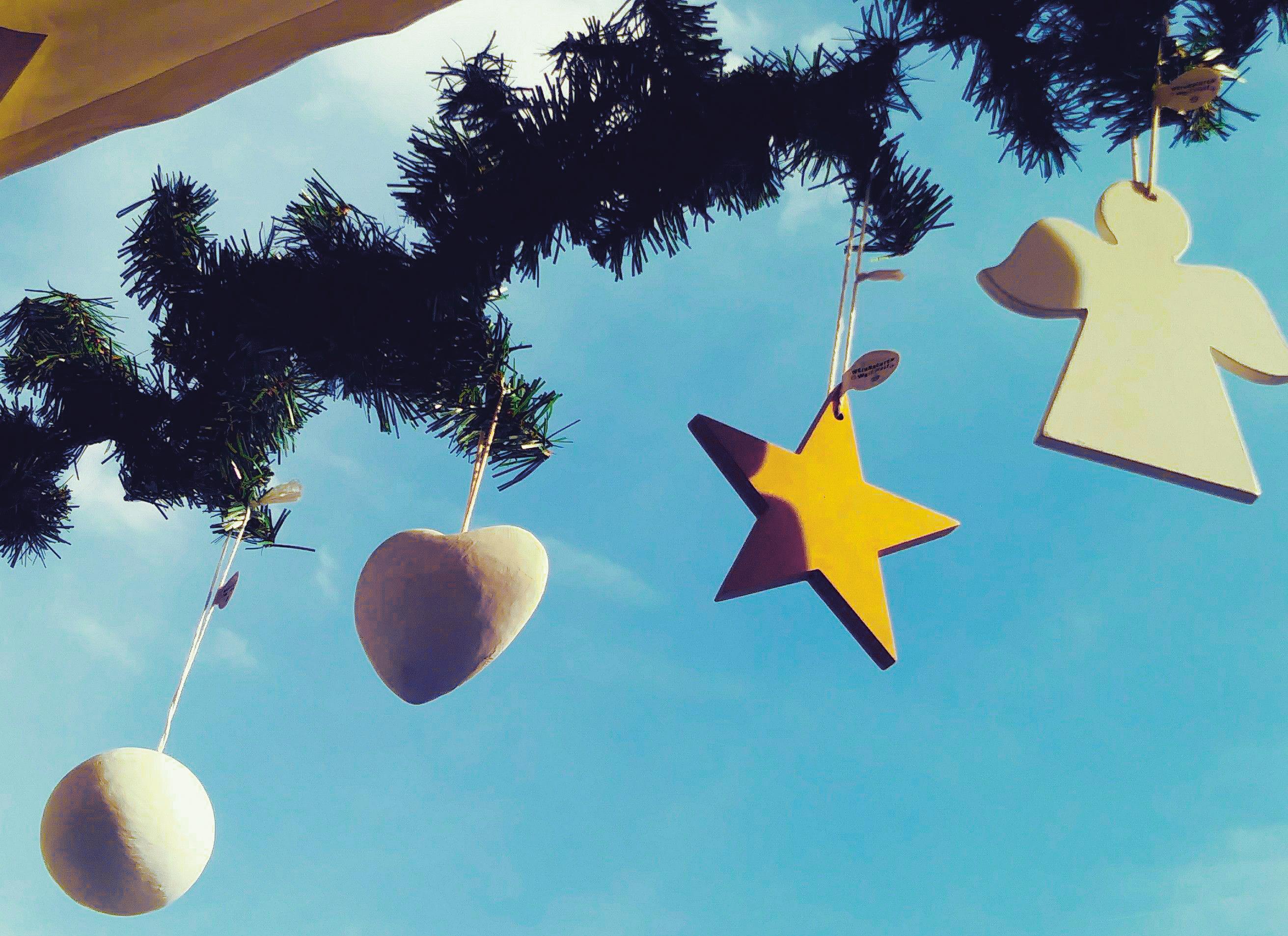 Weihnachten Weltweit: Herzen (10er Pack)